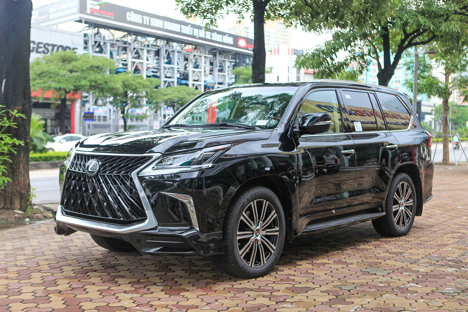 VinFast Lux V8 sẽ đối đầu với các mẫu xe ô tô nào ở thị trường Việt Nam?