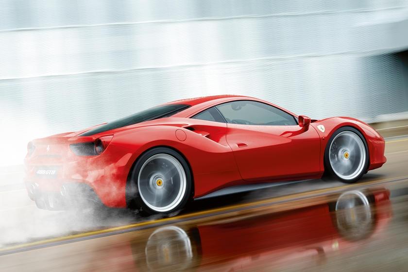 Trộm siêu xe Ferrari, kẻ trộm ngỡ ngàng vì không biết lái số tự động