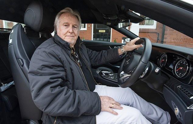 Quảng cáo gây nhầm lẫn, Mercedes phải bồi thường cho chủ xe tại Anh