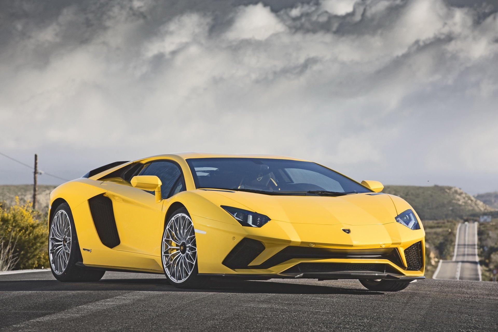 Những siêu xe được tìm kiếm nhiều nhất trên Google Audi R8, Bugatti Veyron, Lamborghini Huracan, Ford GT, Ferrari 458