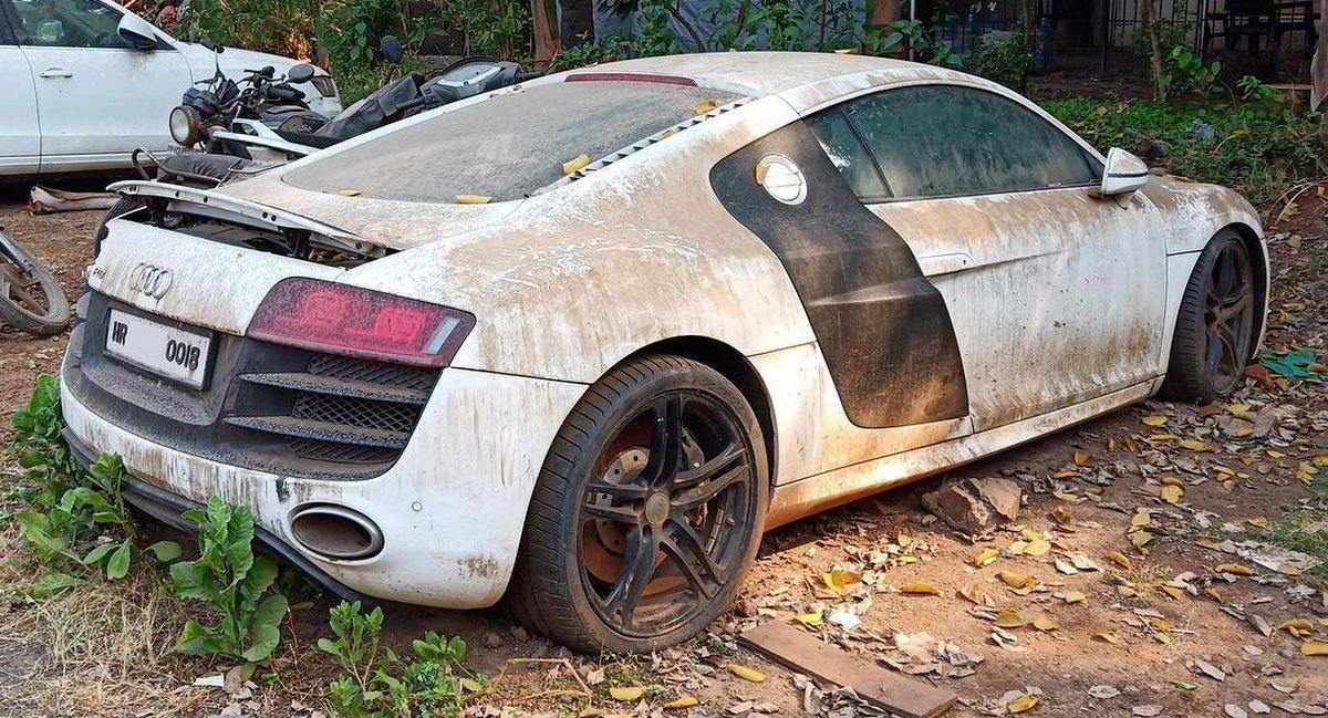 Siêu xe 150.000 USD Audi R8 thành đống sắt vụn