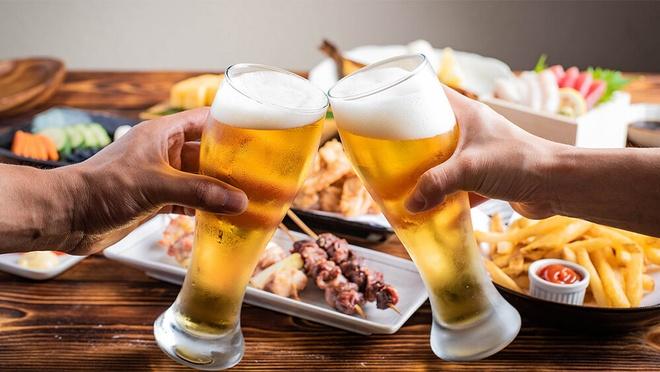 Cách rót điệu nghệ cho người sành bia