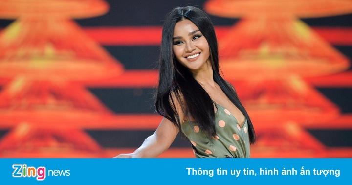 Dàn thí sinh Hoa hậu Hoàn vũ Việt Nam mặc sexy tập luyện