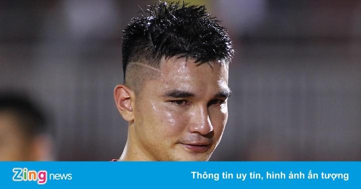 Cựu trung vệ U23 khóc nức nở khi CLB sắp rớt hạng V.League