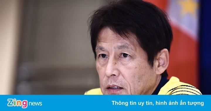 HLV Nishino xin lỗi thầy Park sau vụ khiêu khích của trợ lý