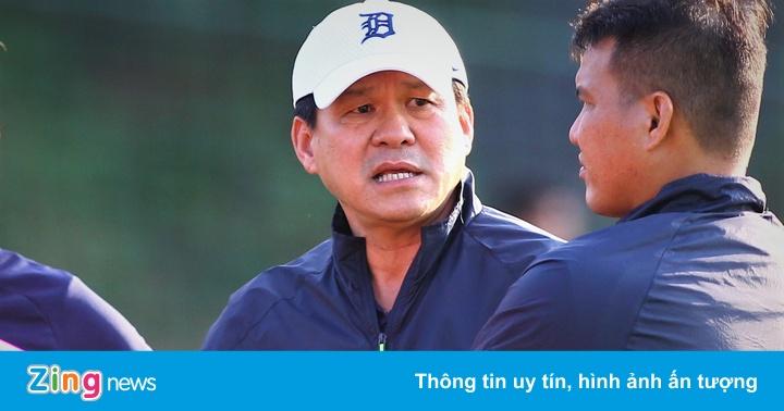 Chủ tịch Vũ Tiến Thành chỉ đạo buổi tập của CLB Sài Gòn