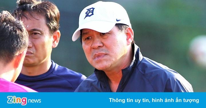 HLV Vũ Tiến Thành: 'Trưởng đoàn HAGL nói bậy'
