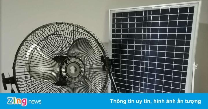 Quạt năng lượng mặt trời bán chạy mùa nóng - xs thứ hai