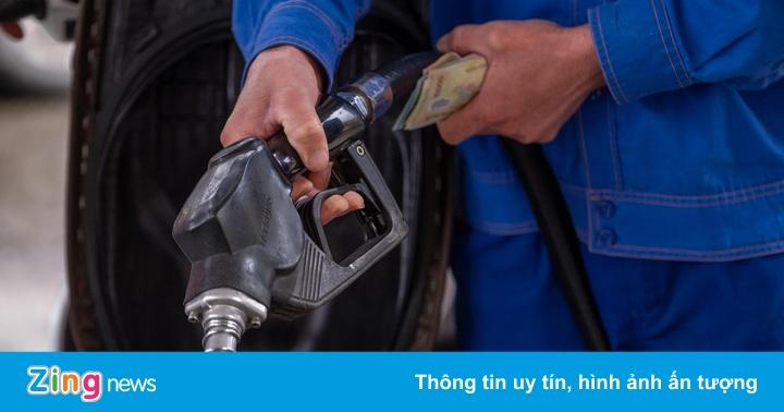 Giá xăng tăng lần thứ 5 liên tiếp vào ngày mai?