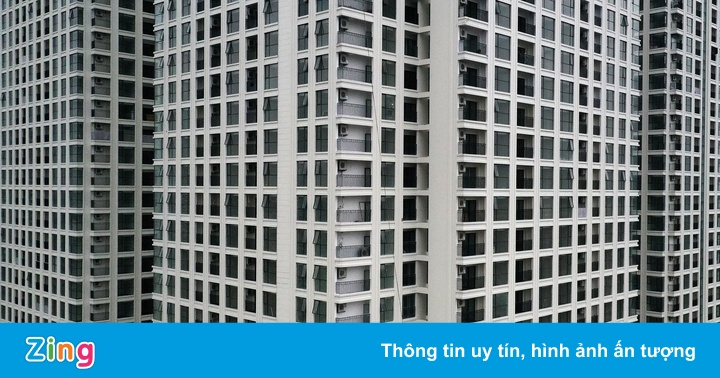 Lan can tại chung cư cao bao nhiêu để trẻ không thể trèo qua?