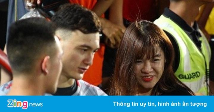 Đường tình thủ môn Việt: Văn Lâm kín tiếng, Bùi Tiến Dũng than cô đơn