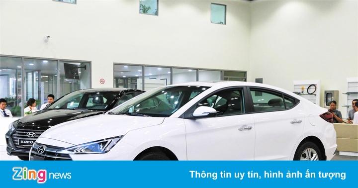 Hyundai Elantra 2019 tăng giá, đổi thiết kế, có luôn bản thể thao