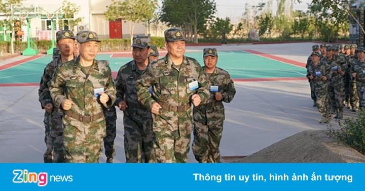 Trung Quốc đào tạo 400 sĩ quan chuẩn bị chiến tranh hiện đại