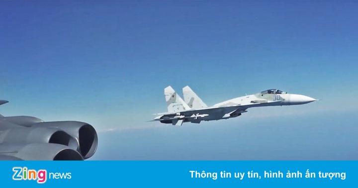 Nga điều Su-27 chặn máy bay trinh sát Mỹ trên biển Đen