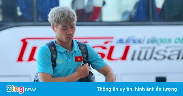 Tuyển Việt Nam về nước, Công Phượng một mình ở lại Buriram vì sự cố