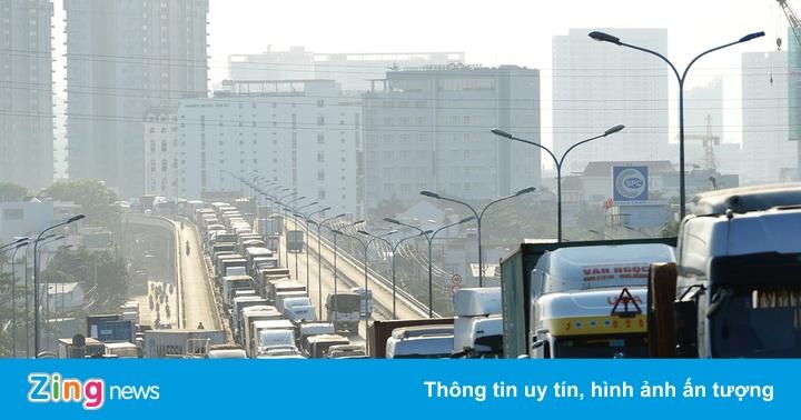 Cấm xe máy qua cầu Phú Mỹ để tổ chức giải marathon