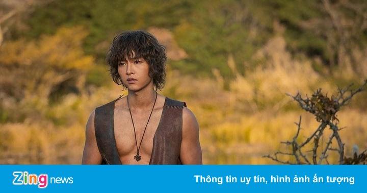 Phim bom tấn của Song Joong Ki, Jang Dong Gun chưa chiếu đã lận đận