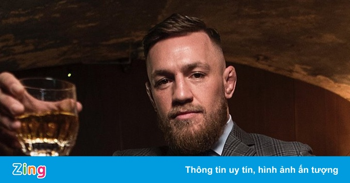 McGregor đóng quảng cáo khi đang bị gãy chân - mega 655
