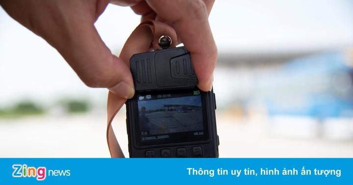 Camera đeo cổ mới trang bị cho CSGT Việt Nam có gì đặc biệt?