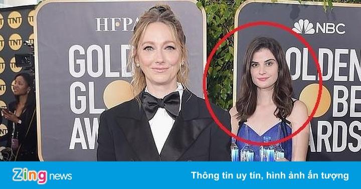 Cô gái bê nước nổi bật giữa dàn sao Hollywood tại Quả cầu vàng là ai?