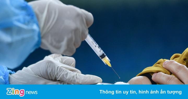 Ai cần trì hoãn tiêm vaccine Covid-19?