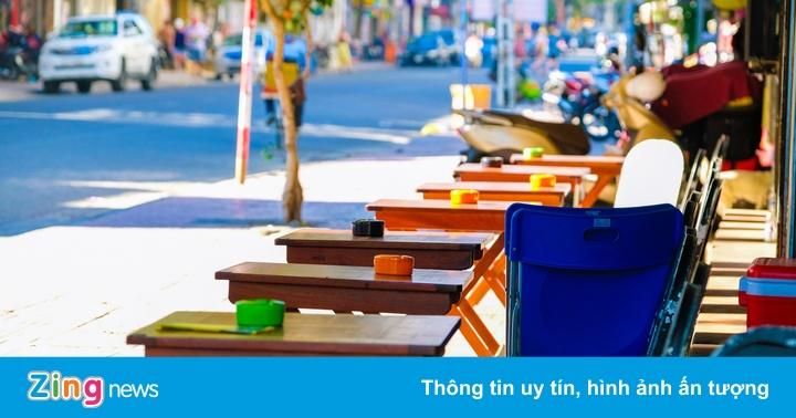 Quán cà phê ở Hà Nội được mở cửa trở lại