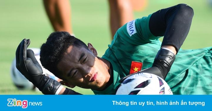 Thủ môn cao 1,93 m gây ấn tượng ở buổi tập của U23 Việt Nam