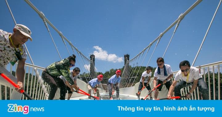 Các tai nạn khiến Trung Quốc đóng cửa loạt cầu kính