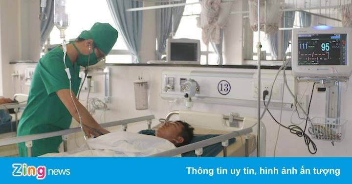 Nam bảo vệ bệnh viện bị đâm gục trong ca trực