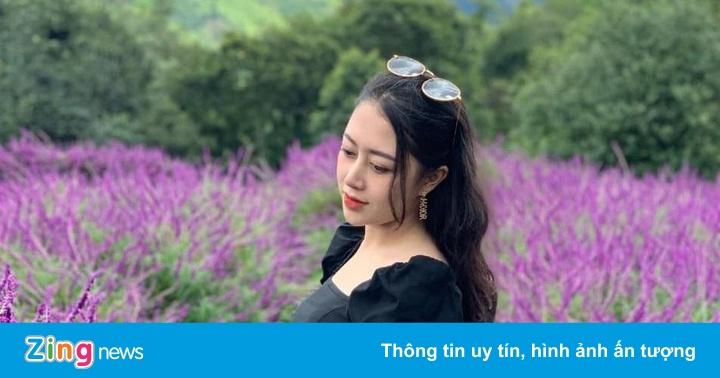 Đồi hoa tím biếc tựa trời Âu thu hút giới trẻ Việt check-in