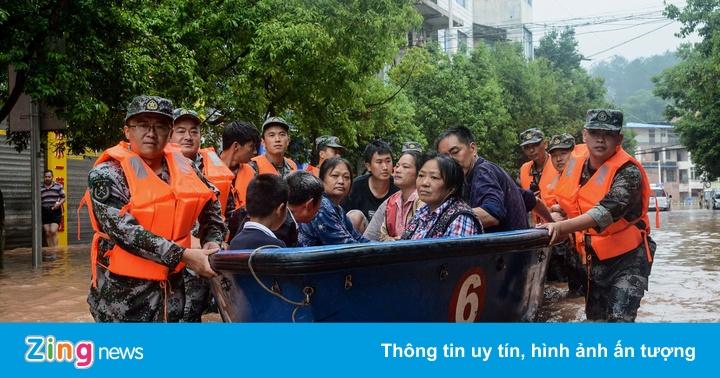 Trung Quốc thiệt hại 10 tỷ USD vì lũ lụt, chuỗi cung ứng gián đoạn