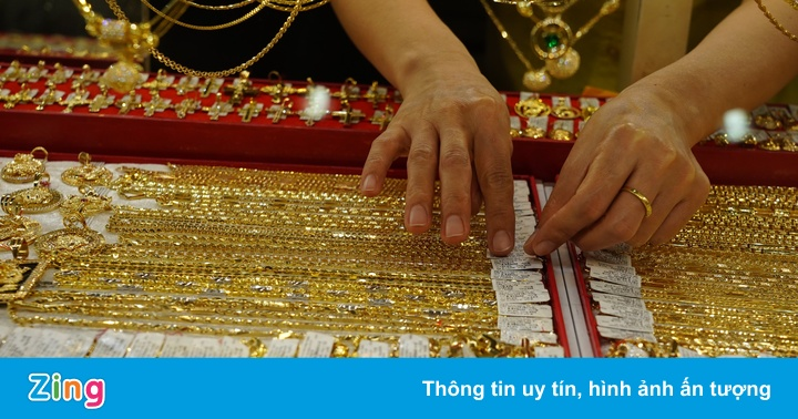 Giá vàng trong nước vượt 49,5 triệu đồng/lượng