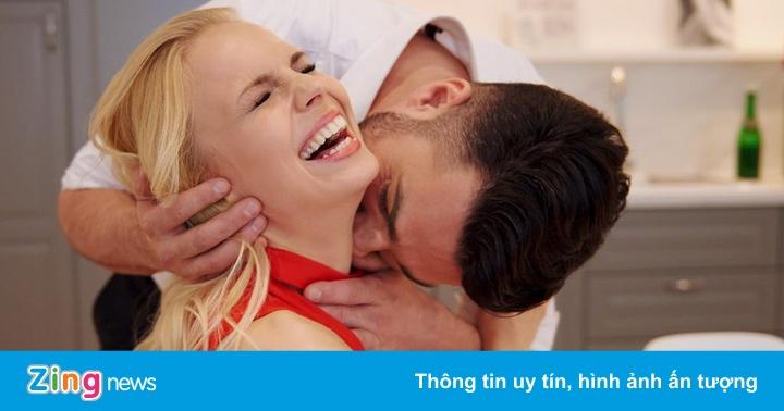 Nụ hôn sâu ở cổ nguy hiểm đến mức có thể khiến bạn đột quỵ