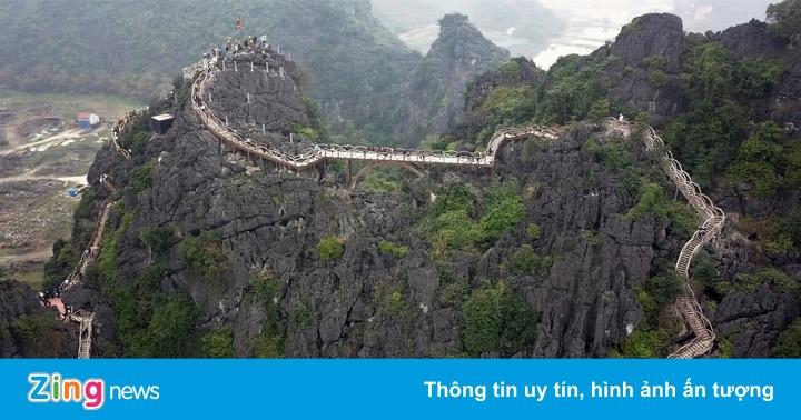 Lõi di sản Tràng An bị cầu 2.000 bậc xâm hại thế nào?