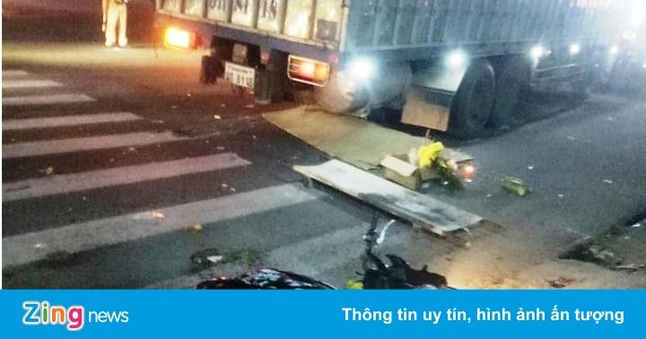 Ôtô biển Lào gây tai nạn liên hoàn, 3 người thương vong