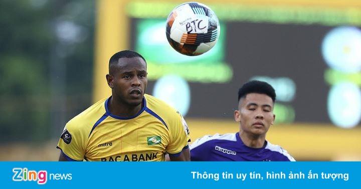 SLNA 0-0 CLB Hà Nội: Quang Hải sút phạt nguy hiểm