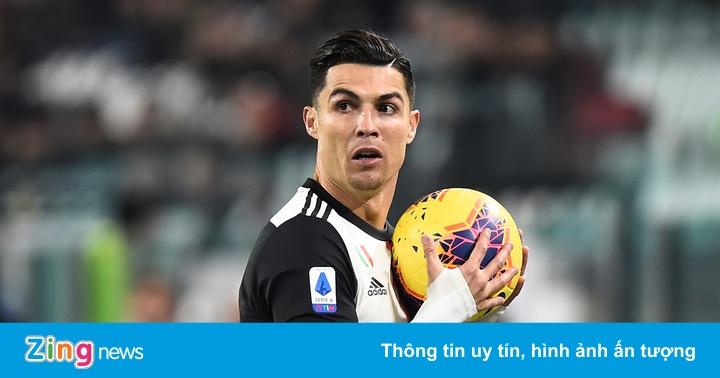 Toàn đội Juventus yêu cầu Ronaldo xin lỗi sau hành vi bỏ về