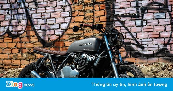 Honda CB400SF 15 tuổi lột xác với phong cách tracker tại Sài Gòn