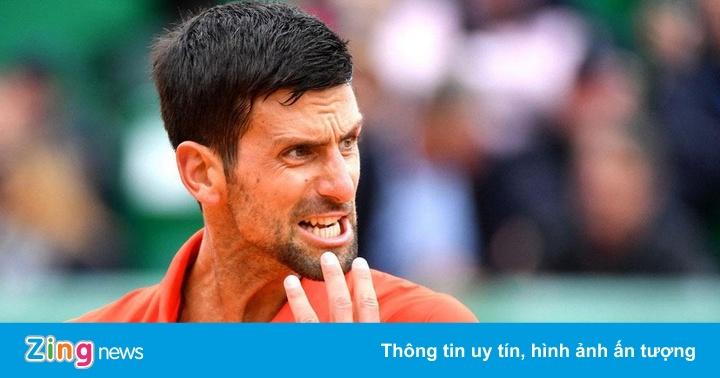 Djokovic cán mốc trận thắng thứ 850 bằng hình ảnh xấu xí