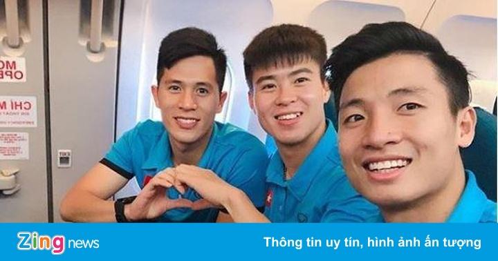 Cầu thủ tuyển Việt Nam hào hứng check-in sang Malaysia đá chung kết – Cộng đồng mạng