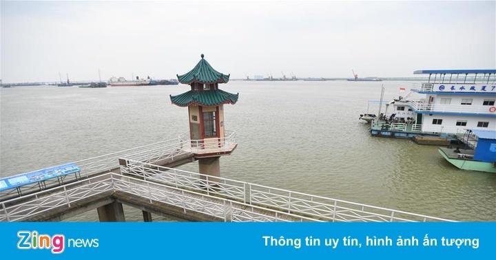 Mực nước hồ Động Đình ở Trung Quốc dâng cao vượt mức cảnh báo