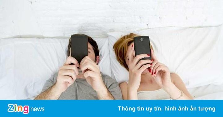 Cặp đôi nào càng đăng công khai nhiều ảnh, càng dễ... đứt gánh