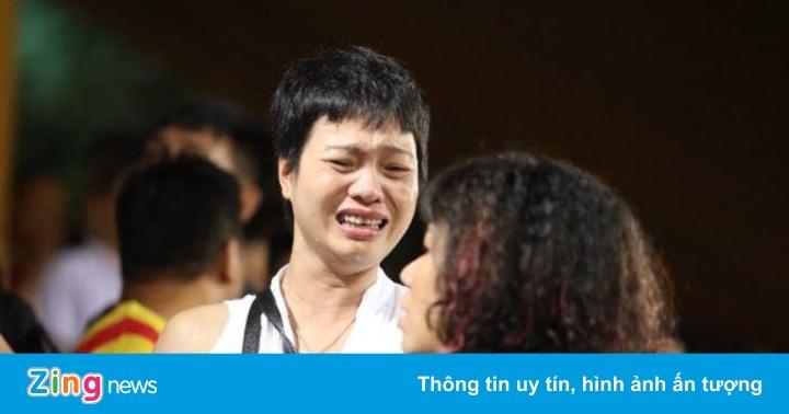 CLB Hà Nội xin lỗi vì sự cố pháo sáng trên sân Hàng Đẫy