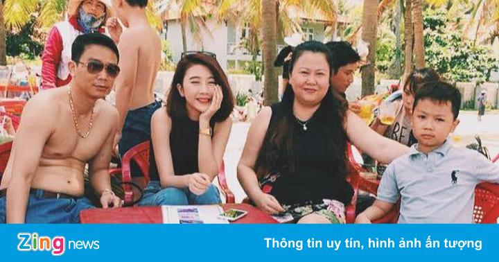 Hot teen Việt hạnh phúc bên người thân trong dịp lễ 30/4