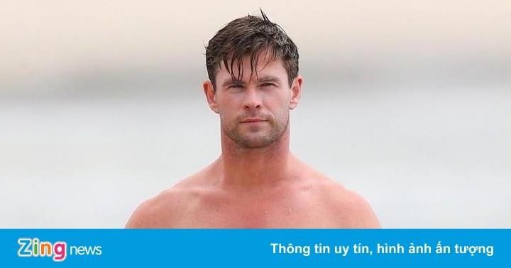 'Thor' Chris Hemsworth bị vợ phàn nàn vì khoe cơ bắp trên phim