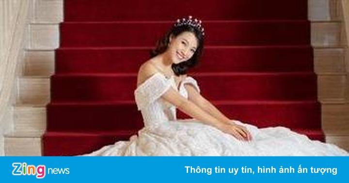 Hoàng Oanh đăng ảnh tình cảm bên chồng sắp cưới