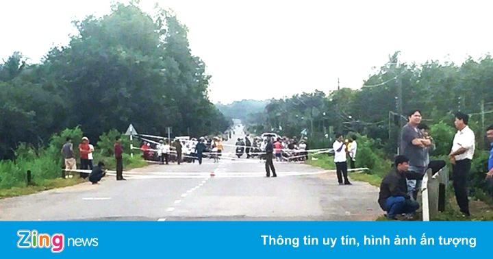 Mưa lớn kéo dài, sập cầu ở Bình Thuận