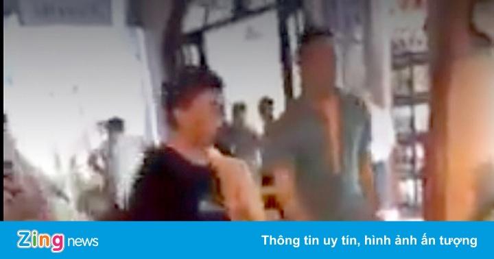 Mâu thuẫn lúc tính tiền, du khách Trung Quốc và nhân viên đánh nhau
