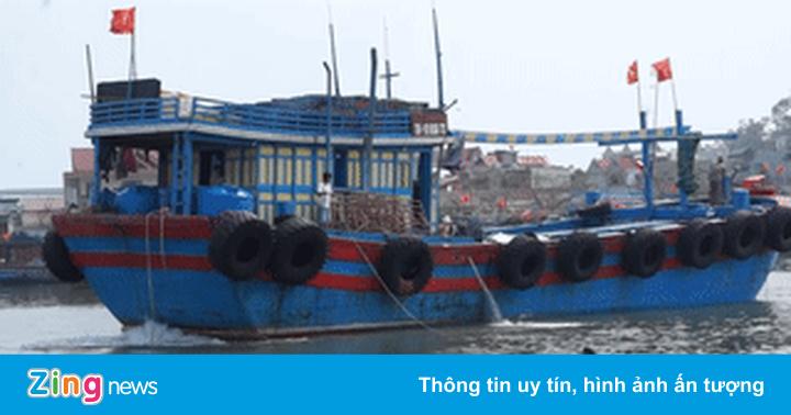250 tàu mắc cạn, chợ hải sản vắng hoe vì cửa biển bồi lắng