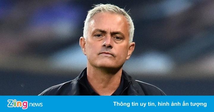 Vì sao Mourinho bị Tottenham sa thải?
